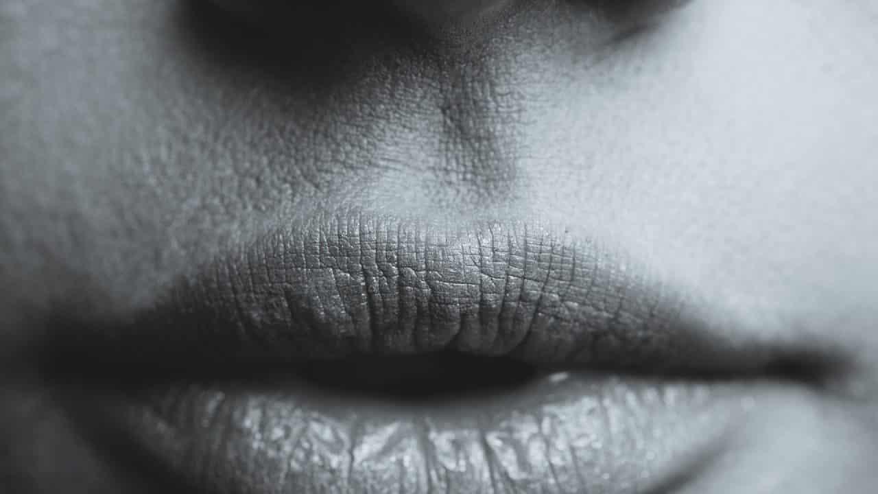 Préservez vos lèvres du froid avec un soin adapté