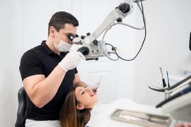 Hygiène buccale: comment en prendre soin après une opération dentaire?