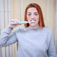 Brosse à dents électrique ou brosse à dents standard