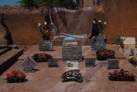Le choix et l'entretien d'une plaque funéraire