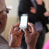 Téléphone personnes âgée: bien choisir son téléphone fixe senior